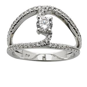 <p>Diamond Long Ring</p>