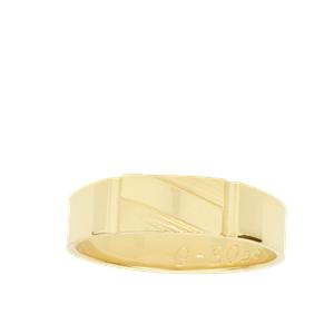 <p>Men's engraved Dress Ring</p>