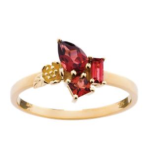 <p>Rock Garden Ring - Garnet&nbsp;</p>