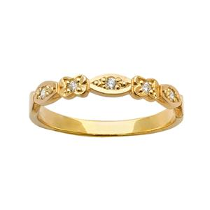 <p>Floral diamond ring in yellow gold set with 5 x 70pc Round Brilliant Cut Diamonds. Total Diamond Weight 0.07ct</p>