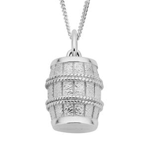 <p>Barrel Pendant</p> <p>Desperate to continue on with their mission, Bilbo Baggins&trade;, using empty wine barrels and the power of The Ring, devises a plan to free the dwarves and escape from the Elves.</p> <p>Comes with official The Hobbit pouch.</p>
