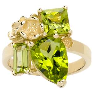 <p>Rock Garden Ring - Peridot</p>